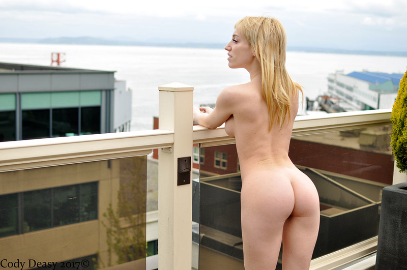 Female model photo shoot of Annabelle Sussman