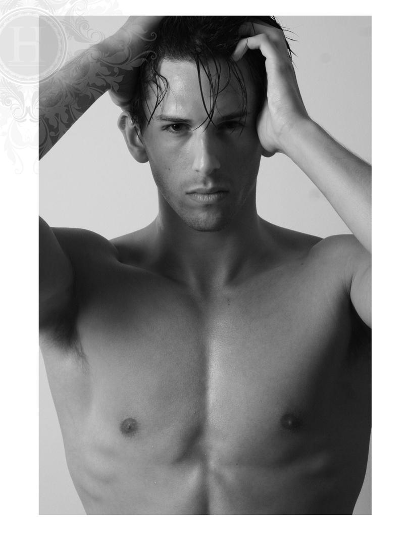 Male model photo shoot of hobson fotografie