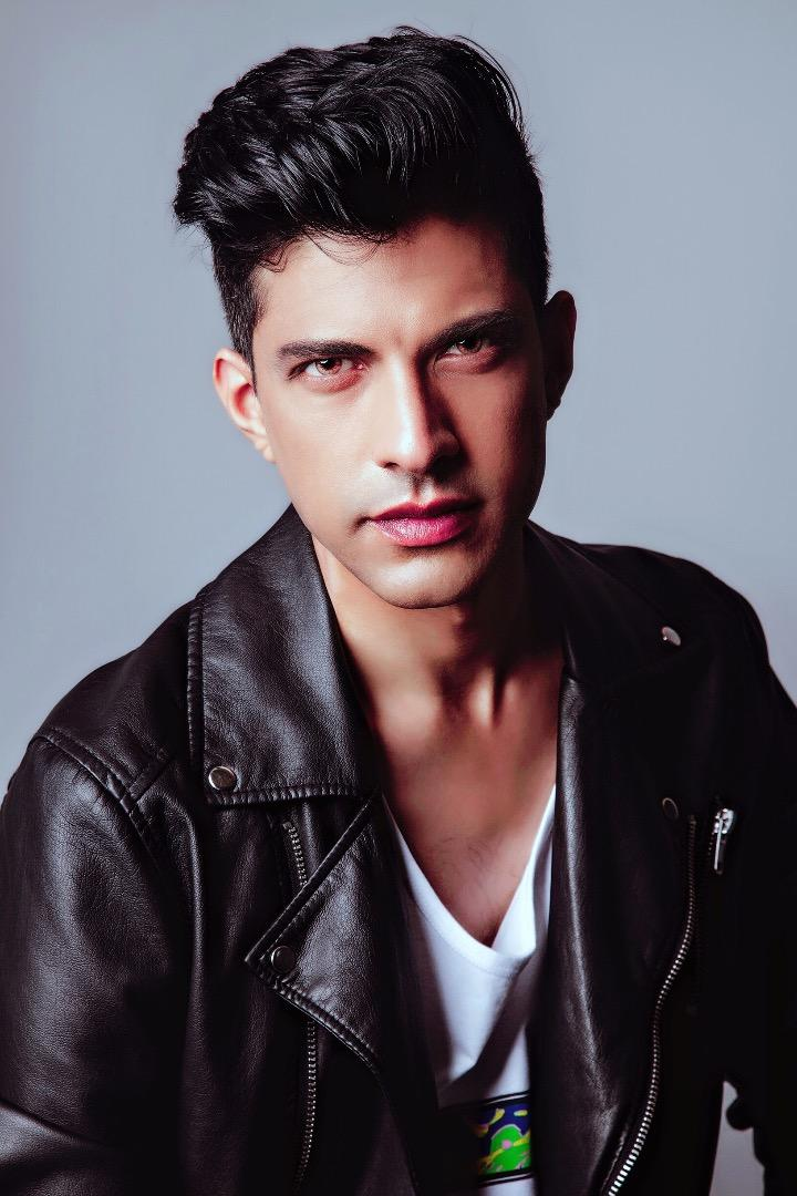 Male model photo shoot of Kamilalhinai
