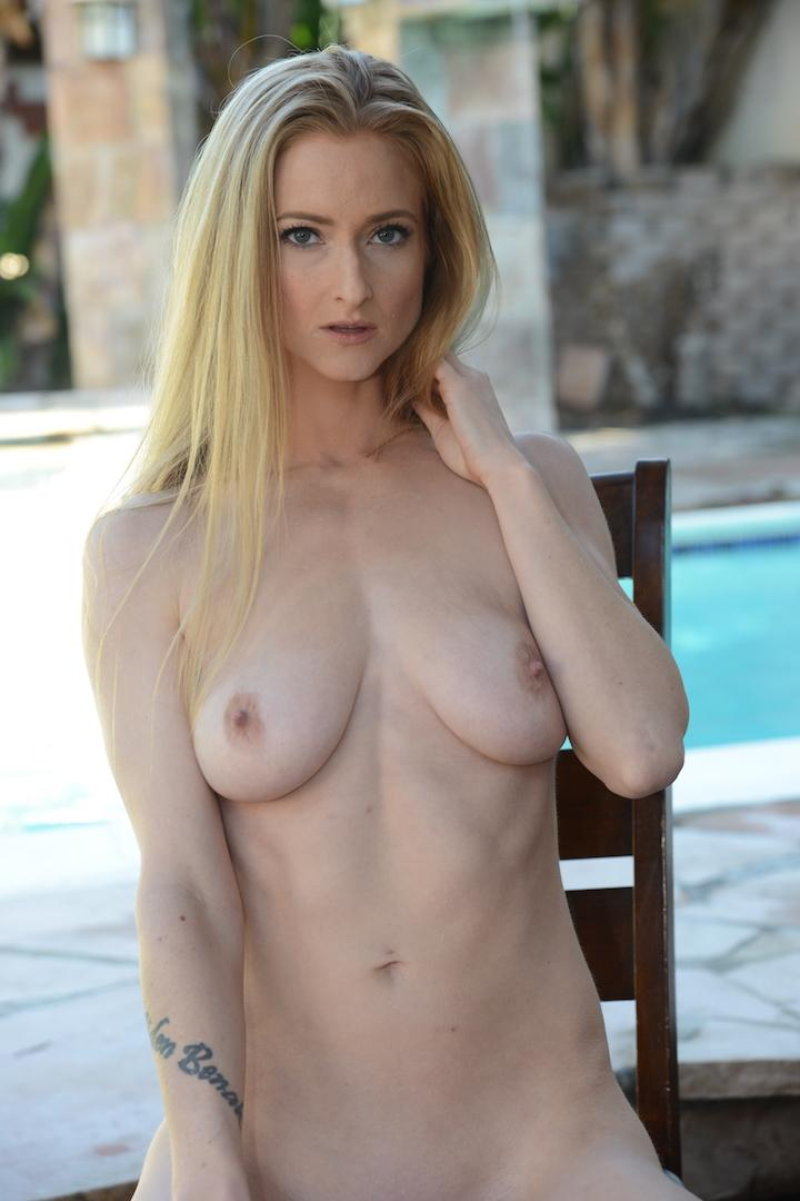Female model photo shoot of Dani Claire