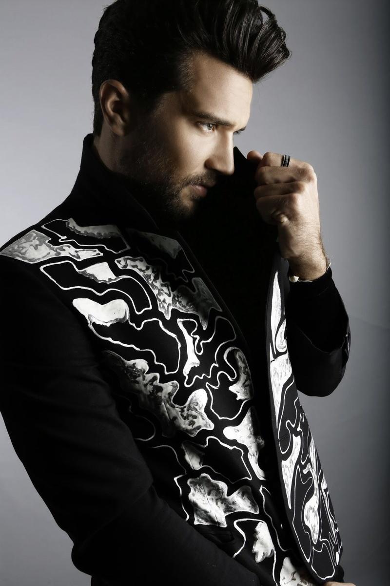 Male model photo shoot of Torren Lee