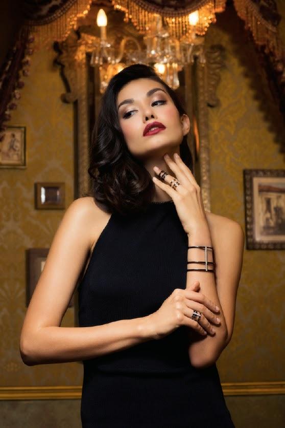 Female model photo shoot of Kate94