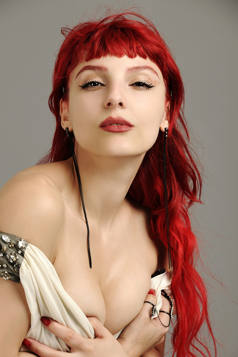 Female model photo shoot of DilekKaya in Istanbul
