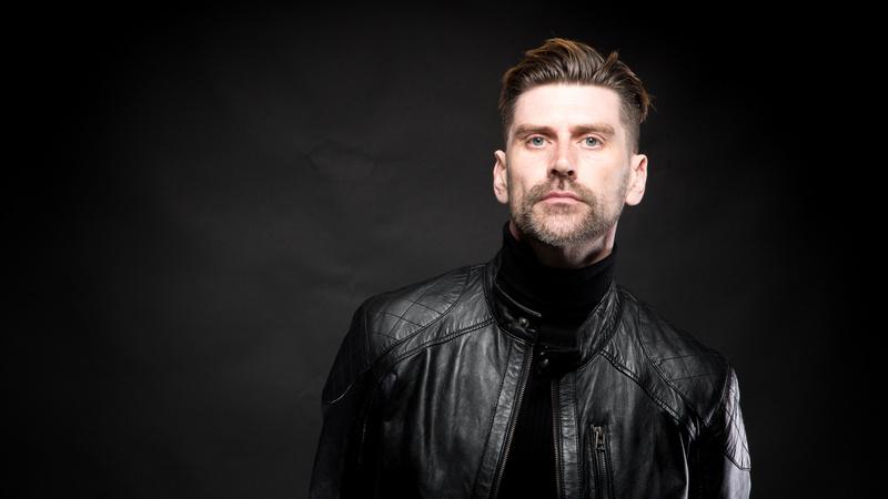 Male model photo shoot of Mervyn Day