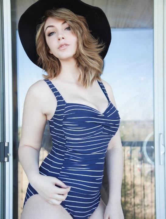 Female model photo shoot of Oxifyre