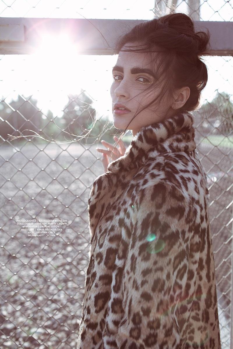 Female model photo shoot of Wuppee