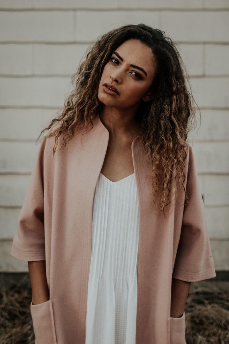 Female model photo shoot of ilesha in California