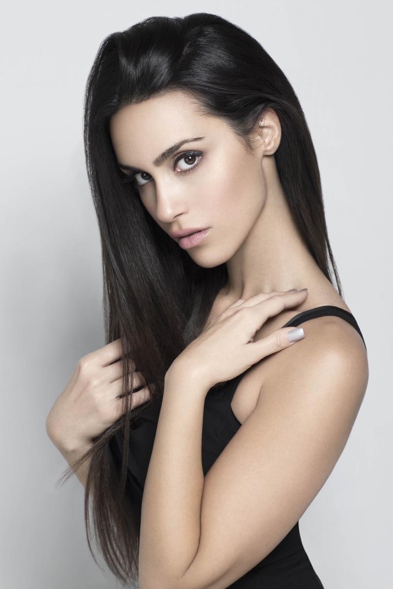 Female model photo shoot of Shiva Negar