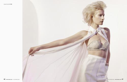 Female model photo shoot of maayzik