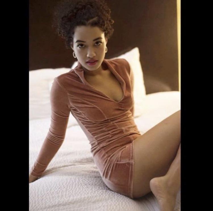 Female model photo shoot of Kiarrathemodel