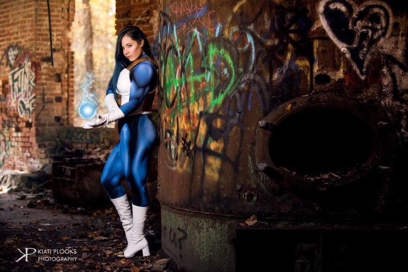 Female model photo shoot of Jesse Isabel