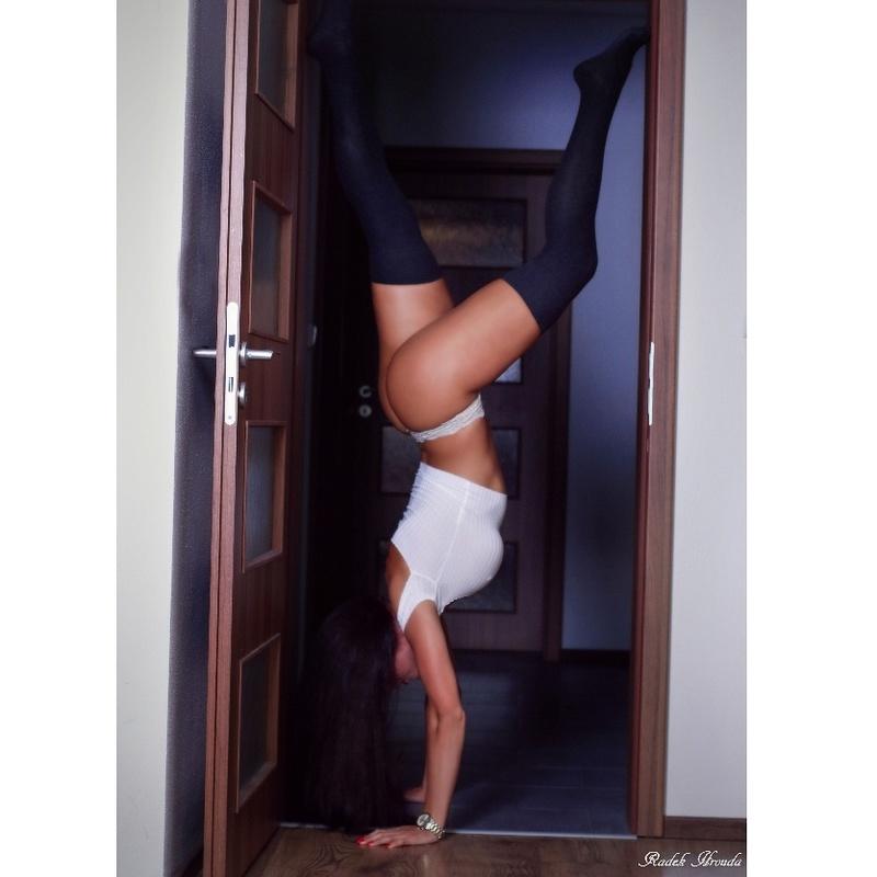Female model photo shoot of Petruska7