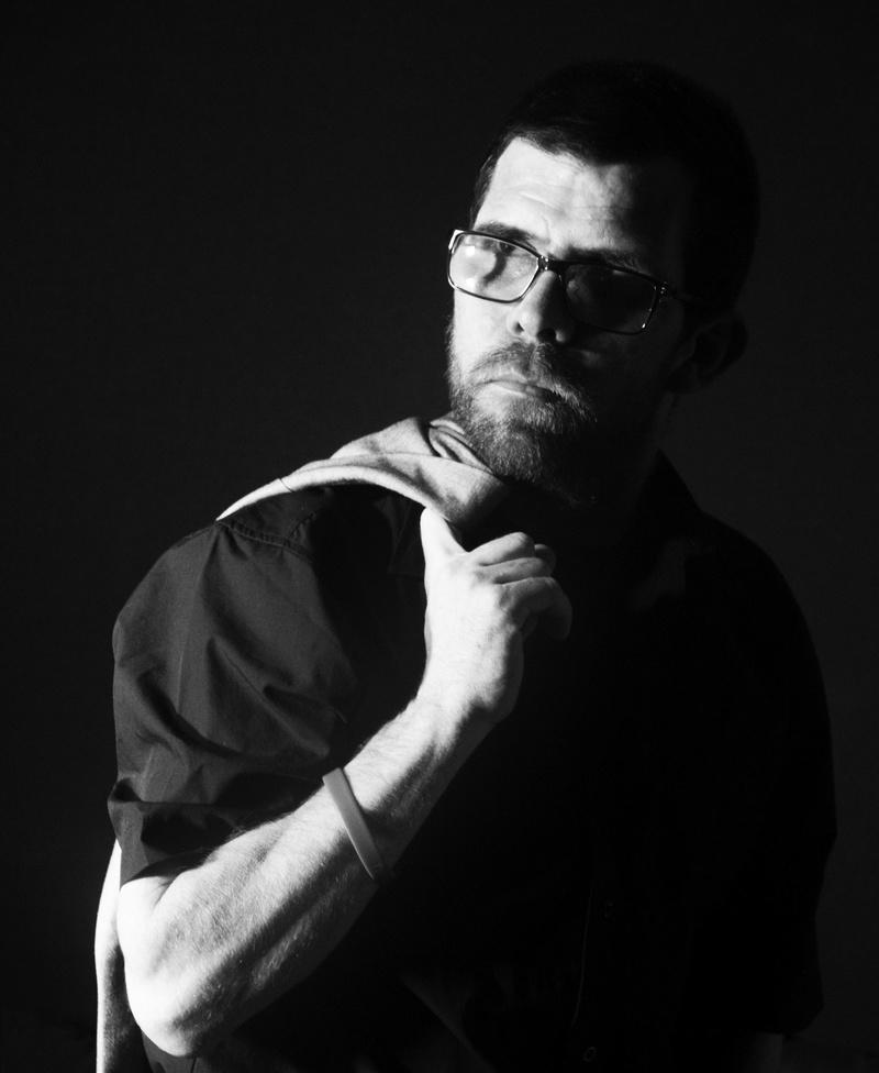 Male model photo shoot of Mondeum