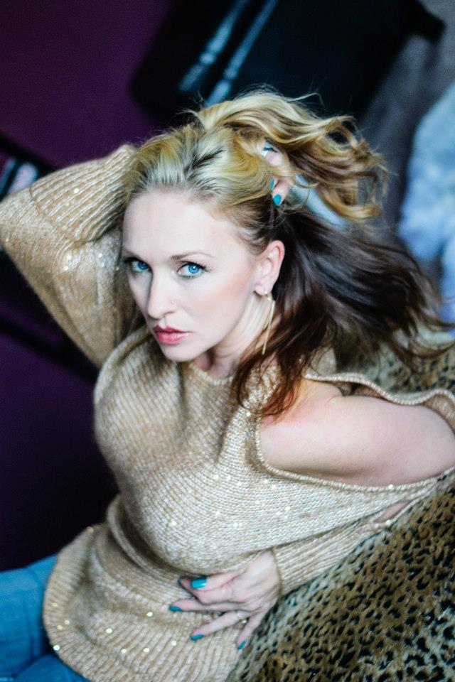 Female model photo shoot of Suzie Rebecca nix