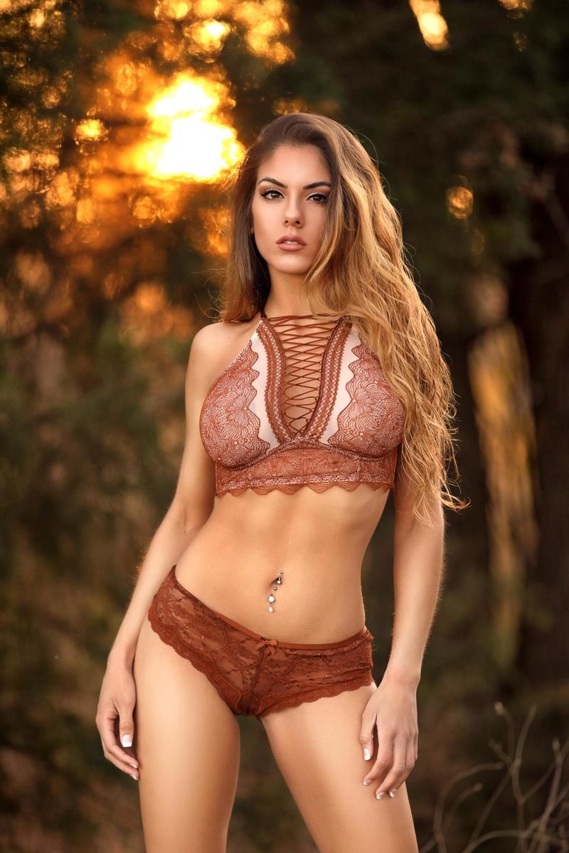 Female model photo shoot of maxmcintyre