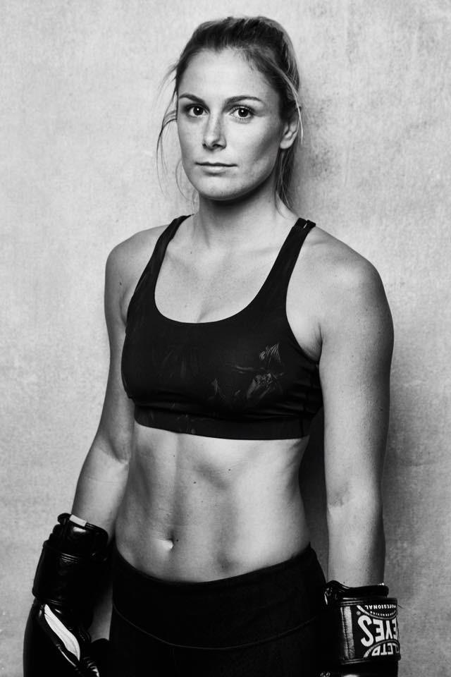 Female model photo shoot of Sarah8thomas