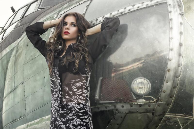 Female model photo shoot of Ivana Stotkova