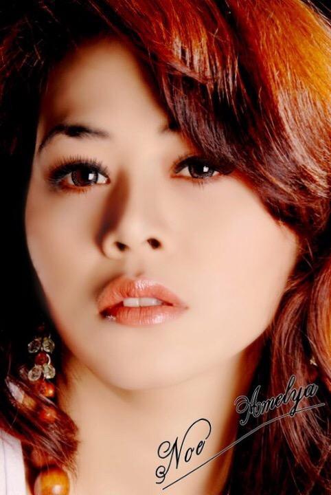 Female model photo shoot of NOE AMELYA