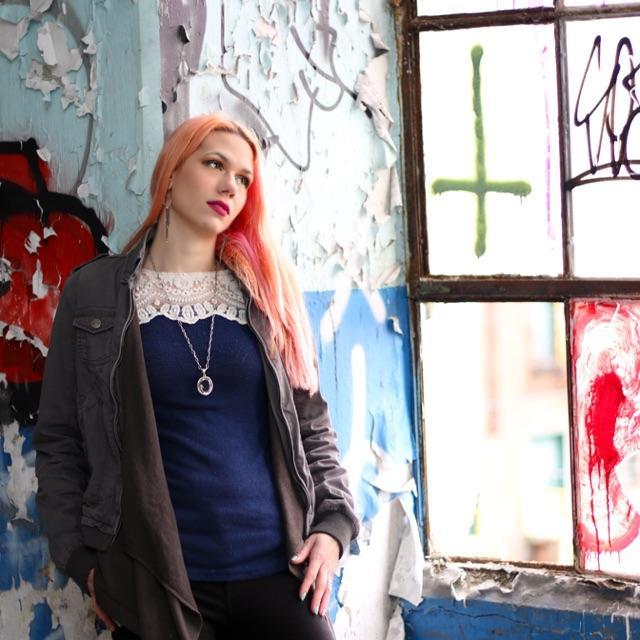 Female model photo shoot of lilithblackmoon20