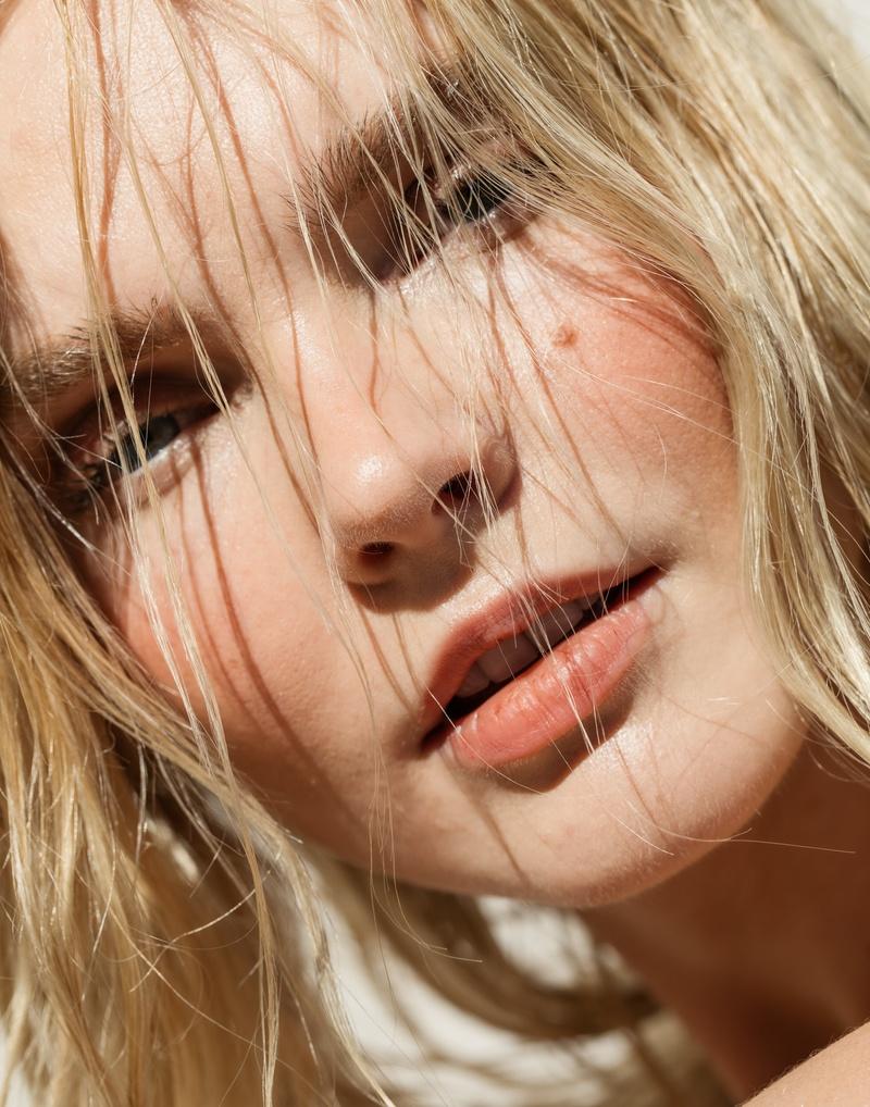 Female model photo shoot of courthart