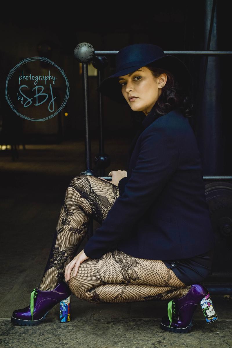 Female model photo shoot of Relllys