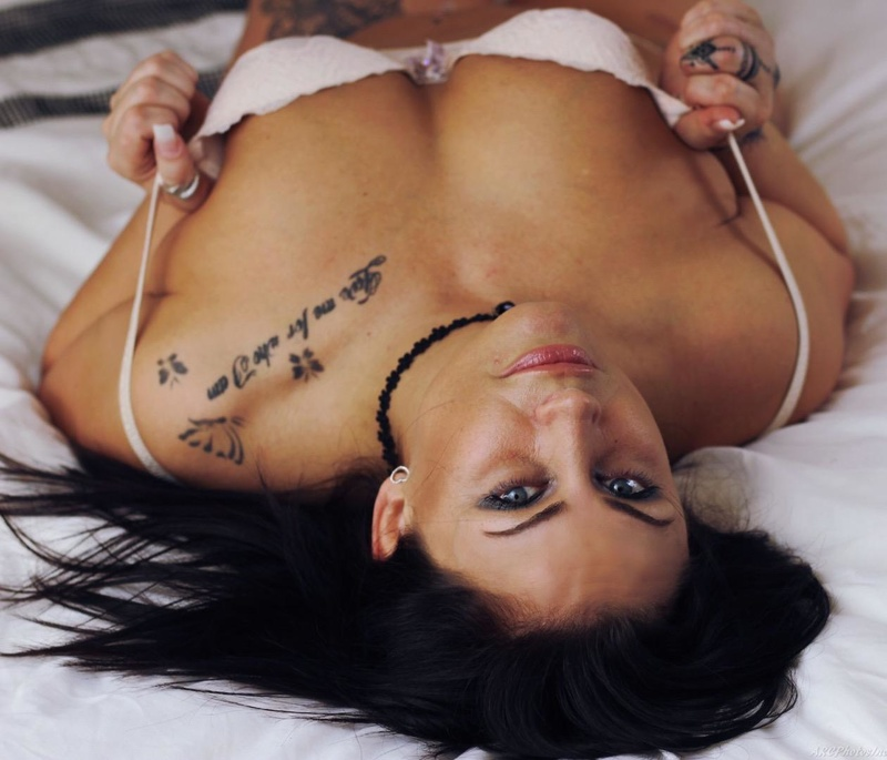 Female model photo shoot of Sallij43