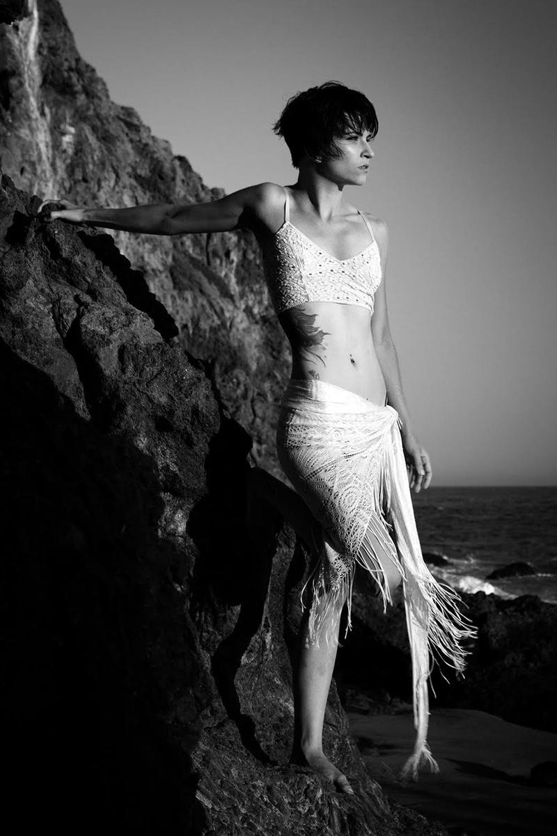 Female model photo shoot of keylessclasp
