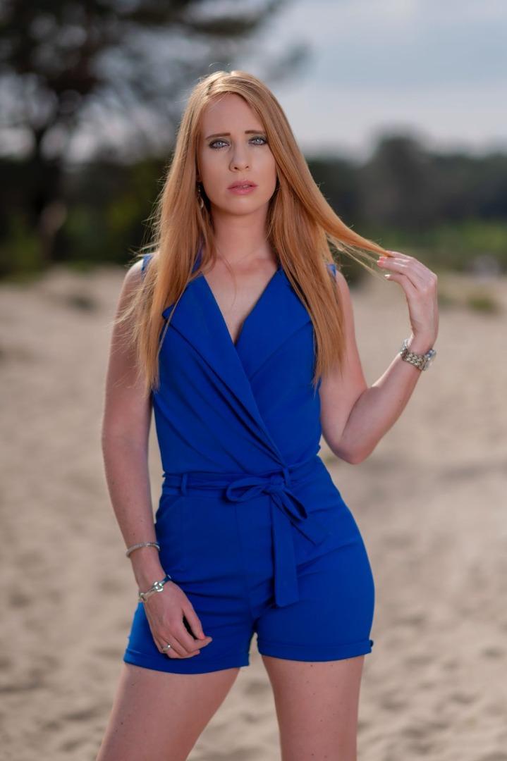 Female model photo shoot of LolitaRW by Luc van Leeuwe