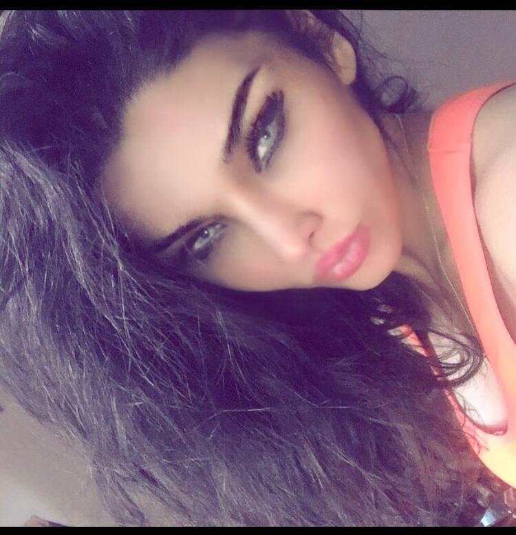 Female model photo shoot of hanieh ghafourian