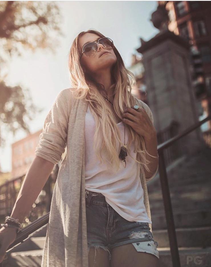 Female model photo shoot of TatyG