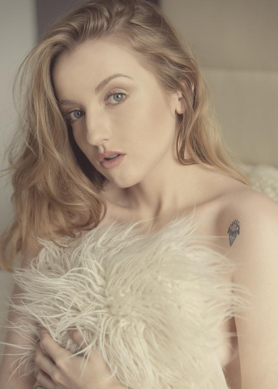 Female model photo shoot of Elissa Eileen