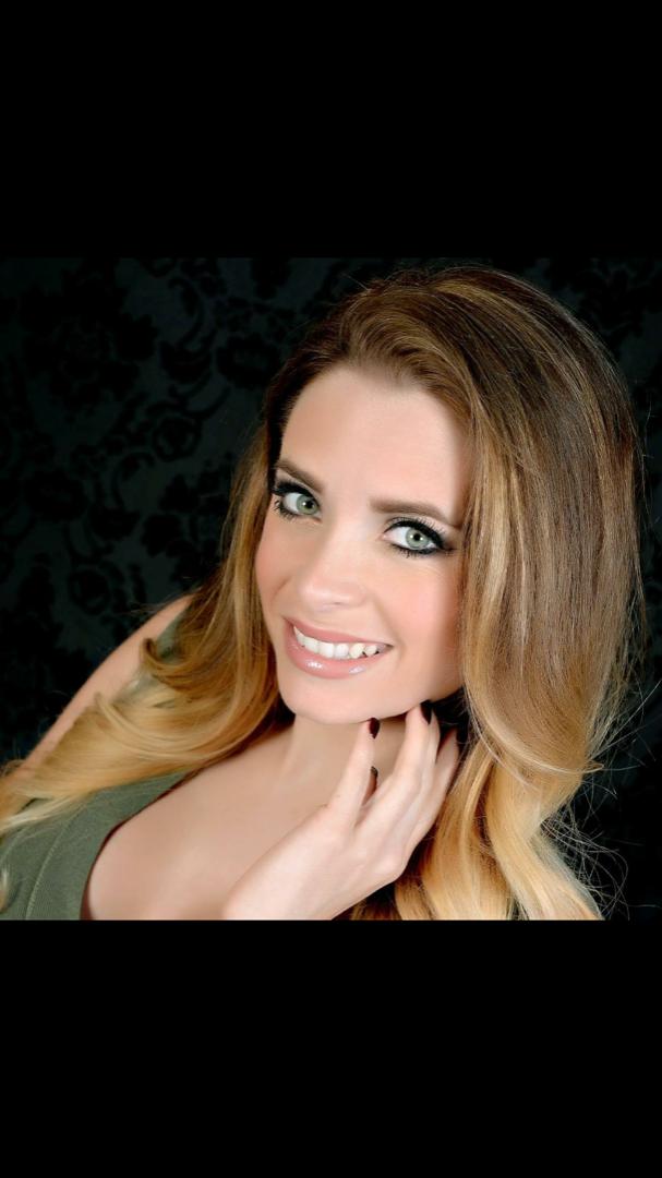 Female model photo shoot of Jessica Nichole