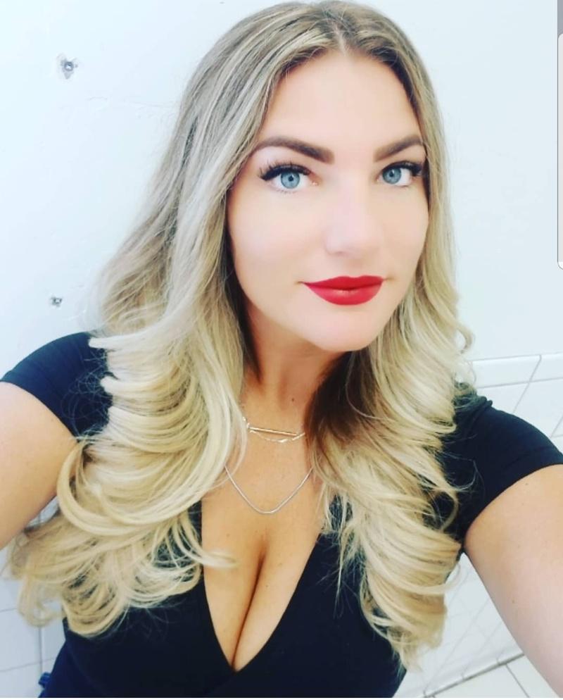 Female model photo shoot of KateLeeAnn