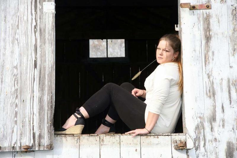Female model photo shoot of Alyce Antoinette  by Snyder Photo
