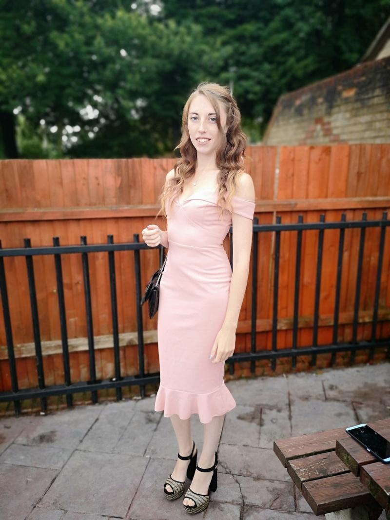 Female model photo shoot of Amanda Louiseee