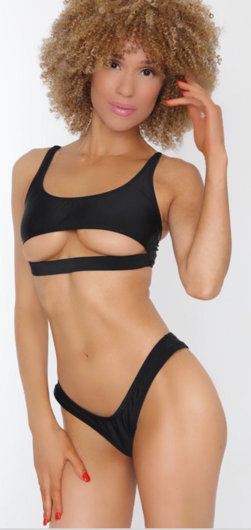 Female model photo shoot of Heather Li x3