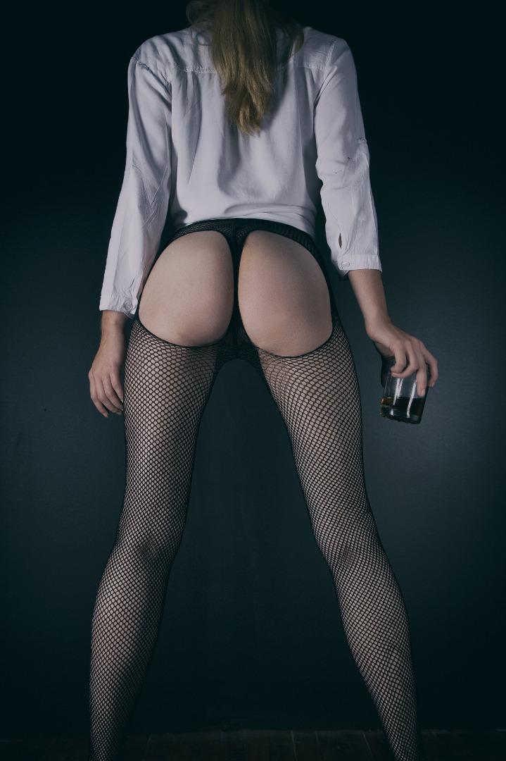 Female model photo shoot of Rachel Lilly