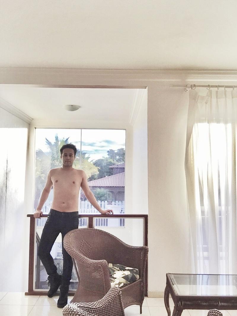 Male model photo shoot of Brazilianamethyst in Brazil