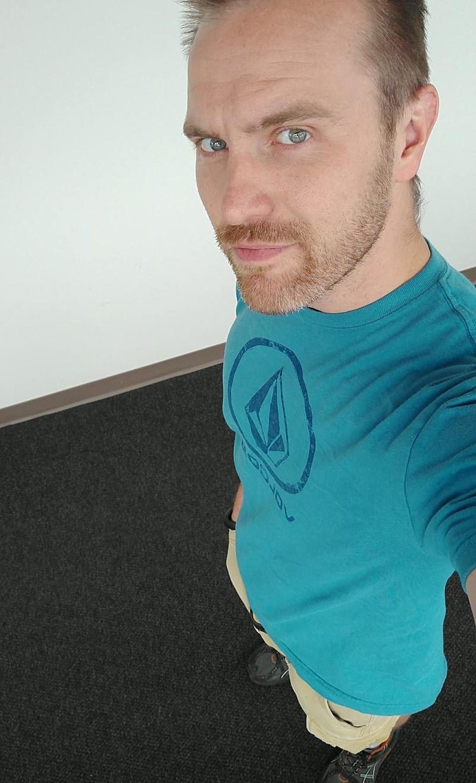 Male model photo shoot of Achilles Rockwood