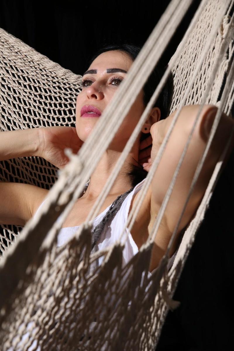 Female model photo shoot of Faizahachemi