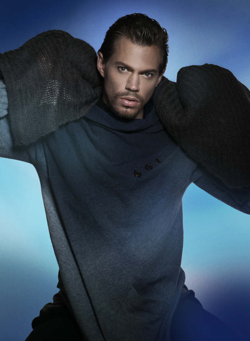 Male model photo shoot of Dean Newcombe