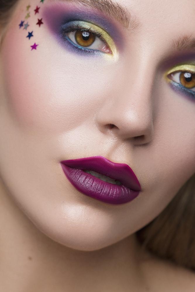 Female model photo shoot of Elena Gr