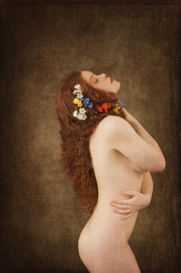 Female model photo shoot of Elizabeth Sparrow