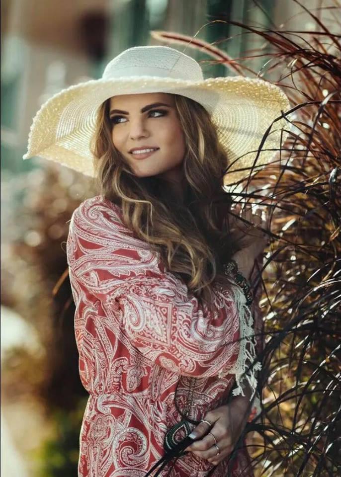 Female model photo shoot of sierranickell