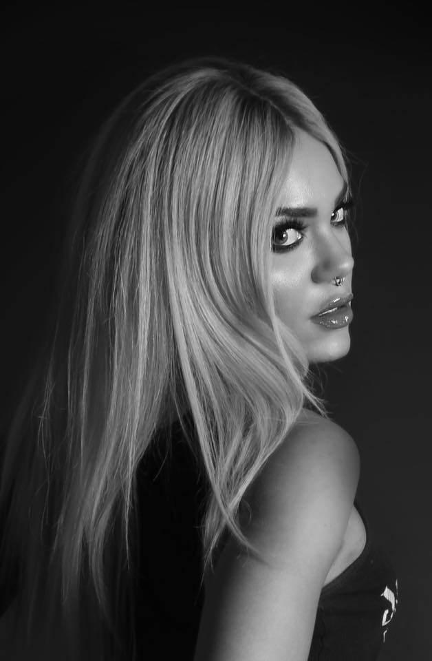 Female model photo shoot of Samantha Scarlette