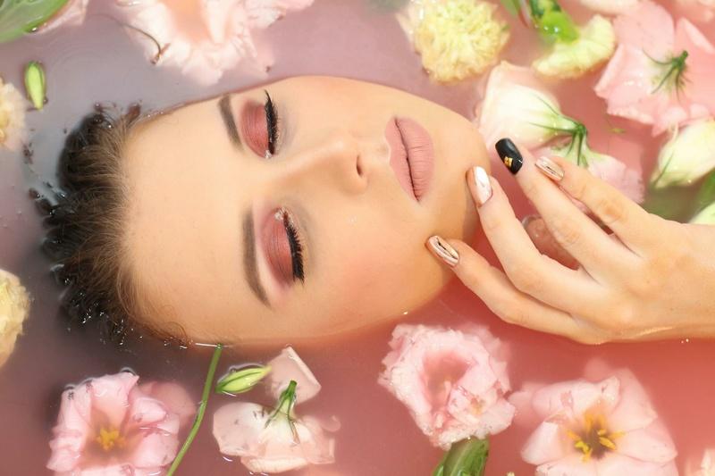 Female model photo shoot of Olivia_Holt