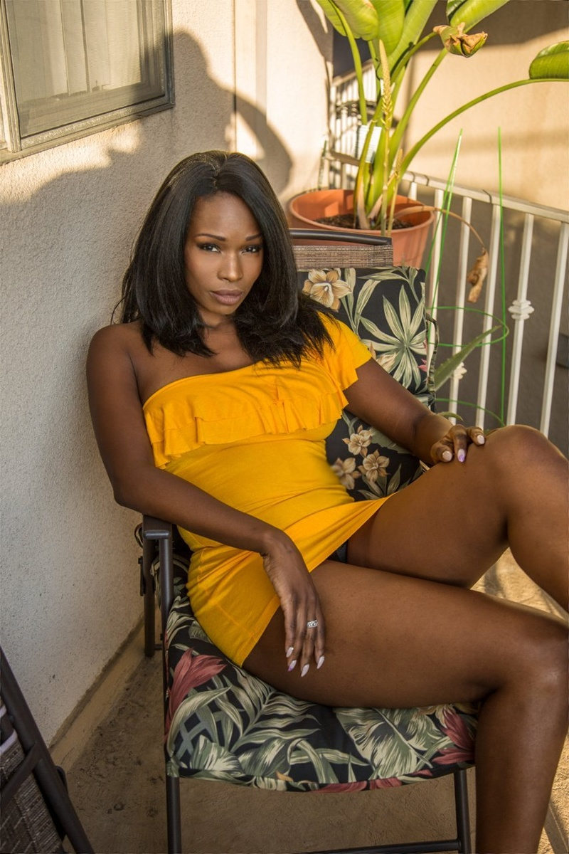 Female model photo shoot of DazelleYvette in Los Angeles