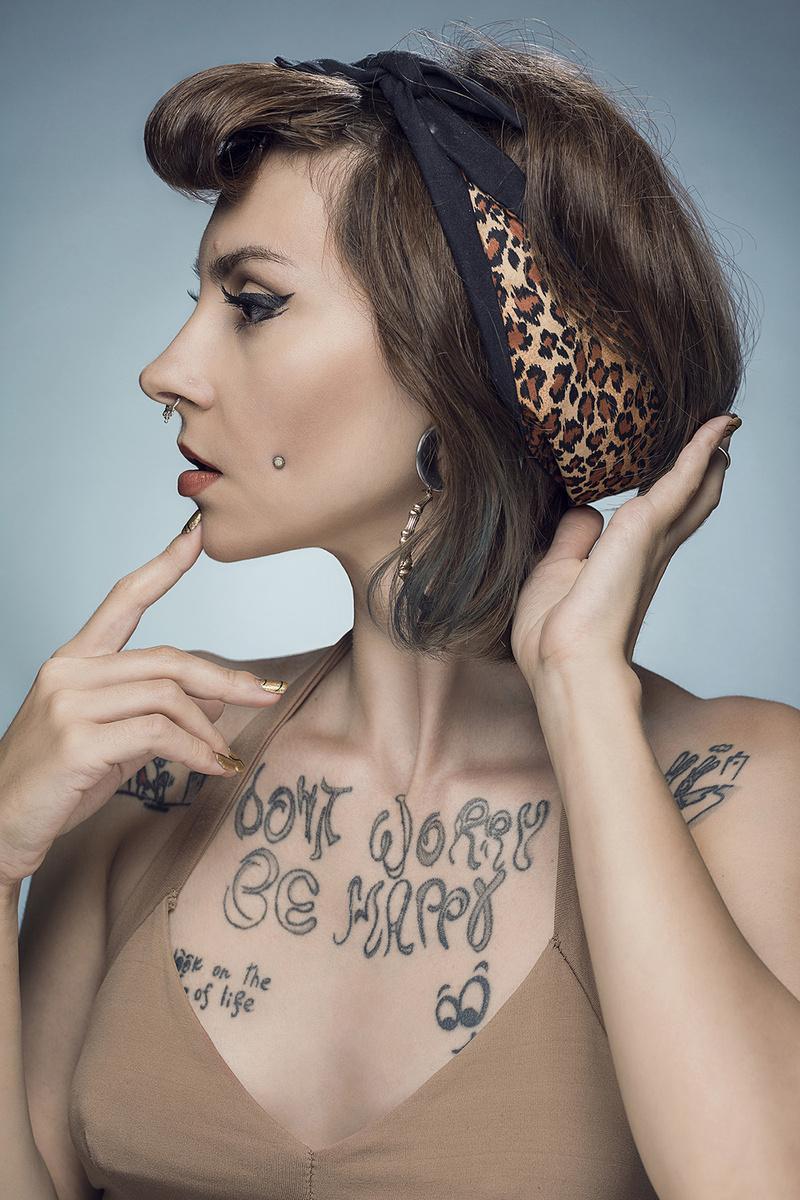 Female model photo shoot of Sascha Mein