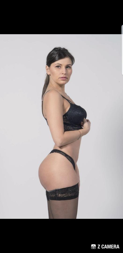 Female model photo shoot of GiuliettaP