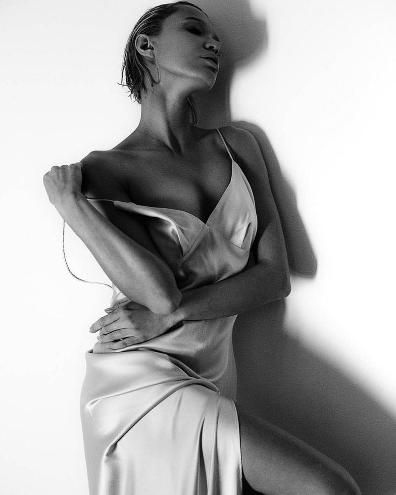 Female model photo shoot of Chucha Babuchina